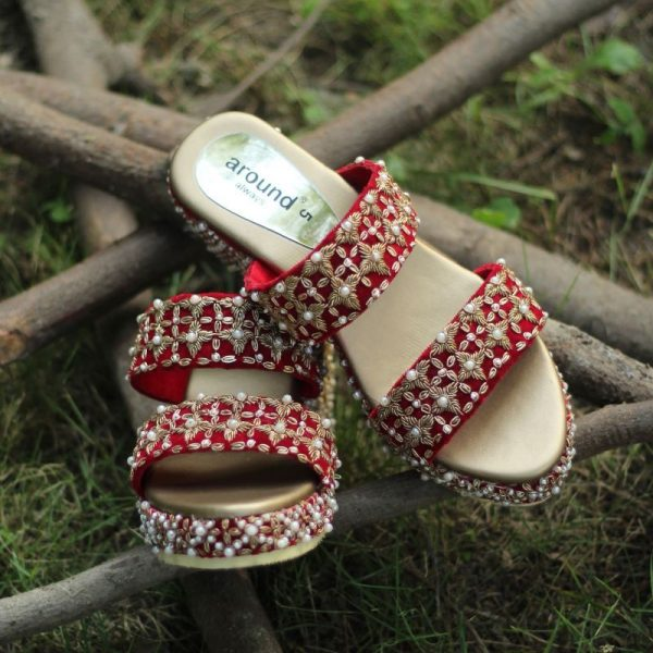 Red shaadi shoes for bride